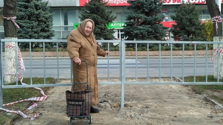 Пешеходов Волгограда за год лишили сразу нескольких важных переходов