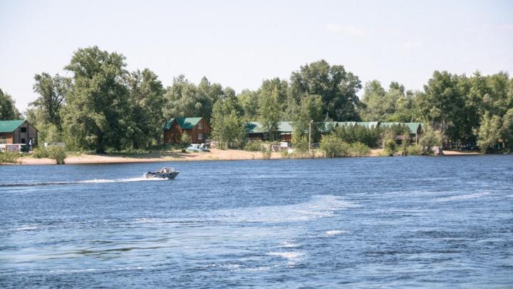 В Самаре подростки 2,5 часа дрейфовали на бревне по реке Сок с криками о помощи