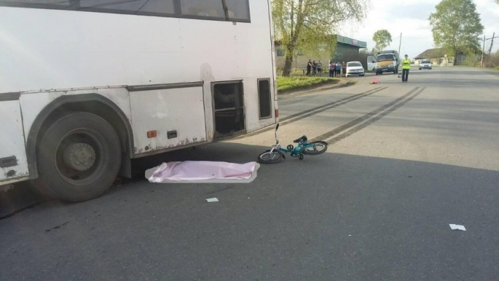 Автобус насмерть сбил шестилетнего ребёнка на велосипеде в Челябинской области