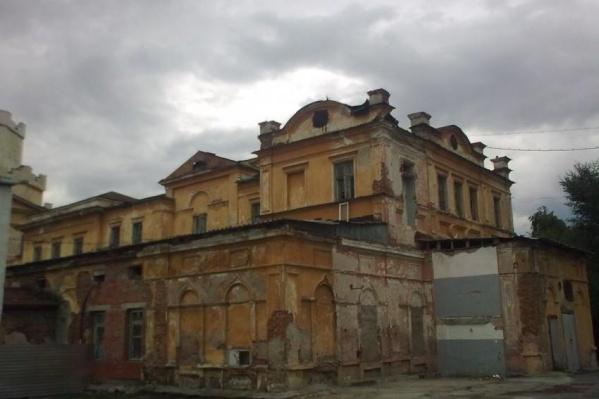 В таком состоянии военные вернули здание Успенской церкви Ново-Тихвинскому монастырю.