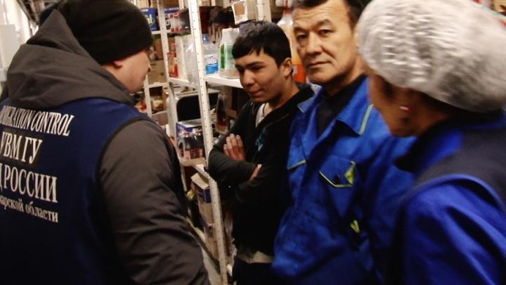 «Собираю деньги, чтобы оформить патент»: в самарском супермаркете поймали нелегалов