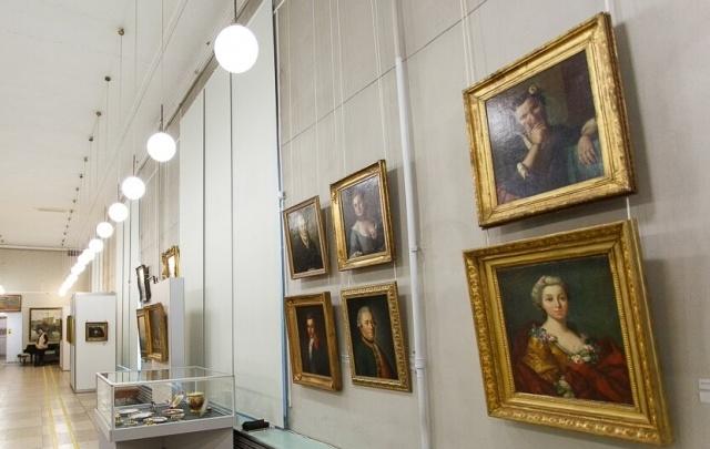 В Волгограде до конца лета открыли для посетителей «Дом Романовых»