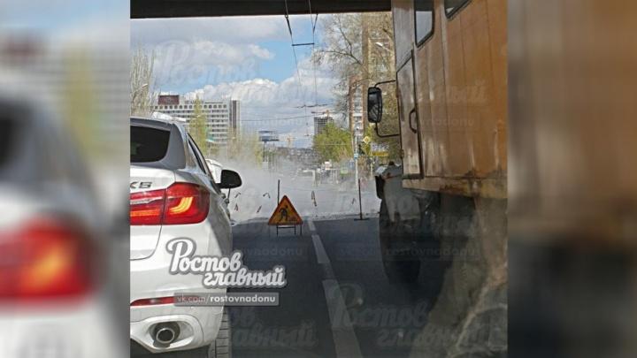 Коммунальное ЧП в центре Ростова: Нагибина заливает кипятком