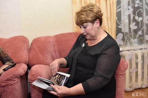 Галина Суворова до сих пор не может сдержать слёз, рассказывая о погибшем муже.