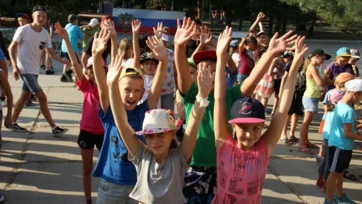 750 детей прервали отдых в лагерях Волгоградской области из-за пожаров