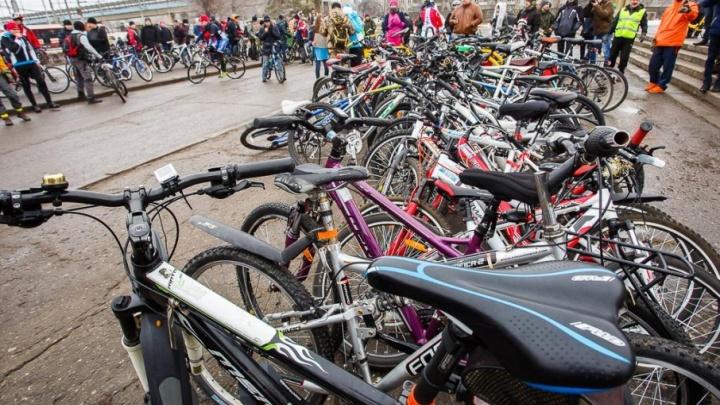Волгоградцы в день парада провезут свои велосипеды «зайцами»