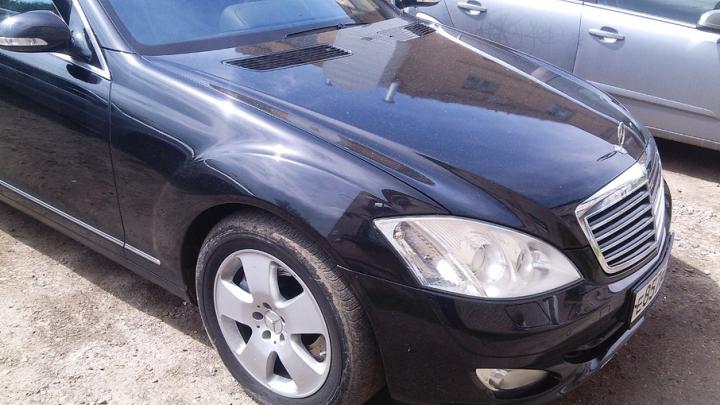 Mercedes S500 челябинца, задолжавшего миллион, нашли через «мобильный розыск»