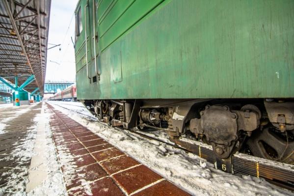 Временно поезда будут подходить к низкой посадочной платформе