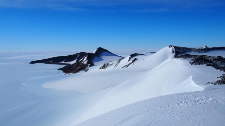 Каякинг у айсбергов и полярный дайвинг: пермяки смогут прогуляться по Антарктиде не выходя из дома