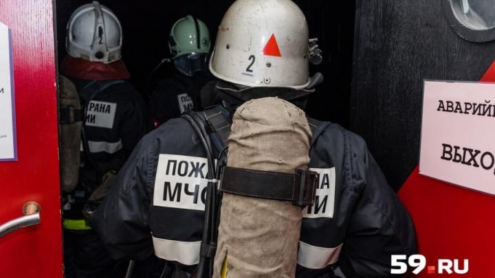 «При пожаре люди не смогут быстро покинуть здание»: в Кунгуре приставы закрыли развлекательный центр