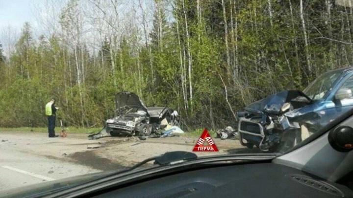 Смертельная авария на Бродовском тракте: лоб в лоб столкнулись два автомобиля
