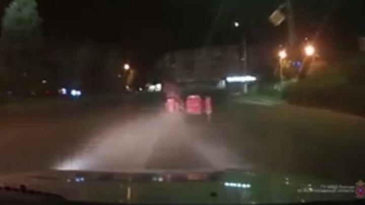 В Волжском удиравший от полиции мотоциклист перевоплотился в спринтера