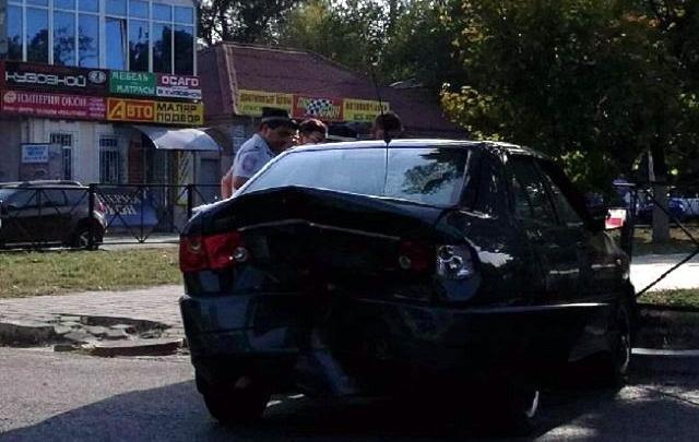 На Дону водитель после удара в бампер сбил девушку