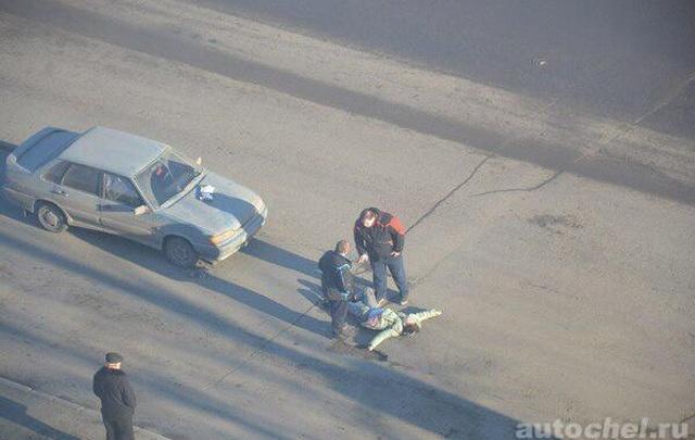 Полиция задержала водителя, сбившего челябинку с шестилетней дочкой на зебре
