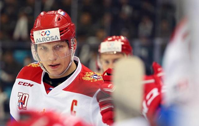 Хоккеисты сборных России и Франции прибыли в Челябинск