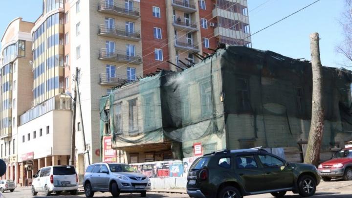 Бизнесмены отреставрируют памятник архитектуры, пугающий своим видом людей в центре Архангельска