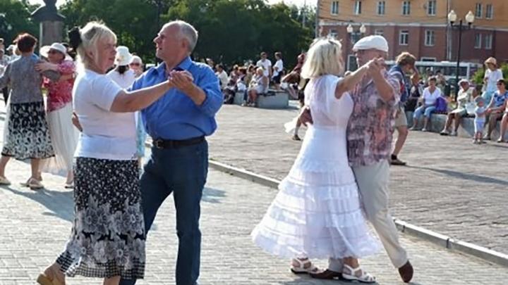 «Встречи у фонтана»: в Перми возобновляются традиционные танцевальные вечера