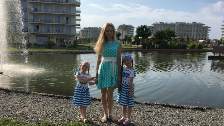 Хорошая расчёска, витамины: мама пермской Рапунцель — о том, как отрастить самые длинные волосы в России