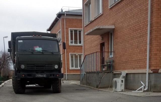 Под Волгоградом военные и штатские делят детские кроватки