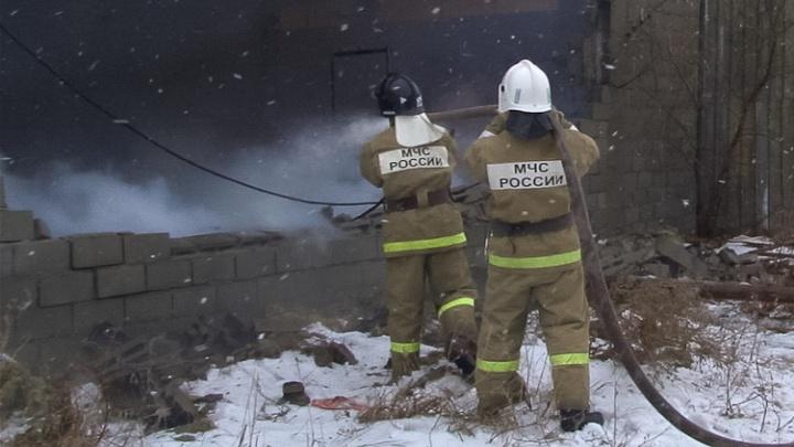 На пожарах в Волгоградской области за минувшие сутки погибли два человека