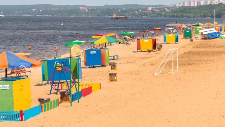 Йога, воркаут, фрисби и кроссфит: на пляже под Полевым спуском стартовал фестиваль спорта