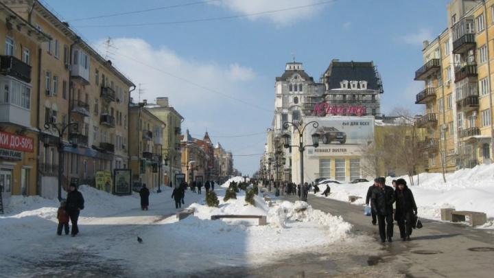 Службу благоустройства отчитали за сугробы на улице Ленинградской