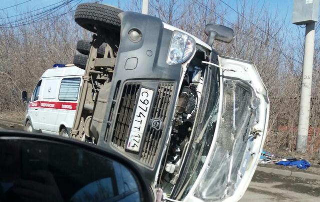 Переворот скорой после ДТП в Челябинске попал на видео
