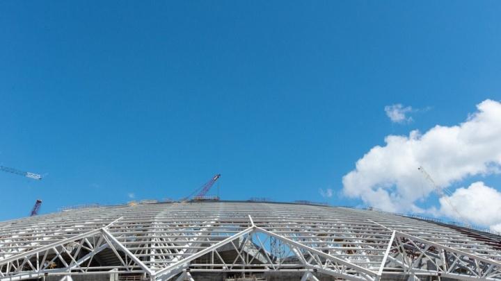 «Берегите свои машины»: покраска купола стадиона «Самара-Арена» продлится до 1 октября