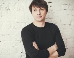 В офисе Сбербанка будет работать актер театра и кино Николай Аузин
