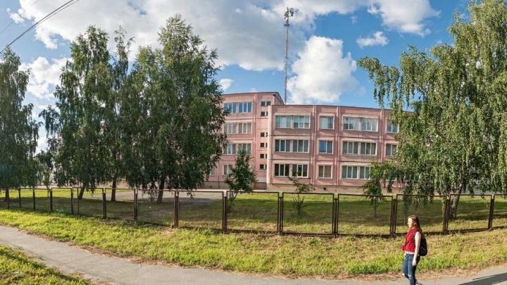 Даже сторож не заметил: в челябинской школе отменили занятия из-за пожара