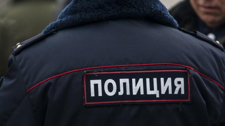 Полицейским пришлось оказывать медицинскую помощь ростовчанке, потерявшей ребенка