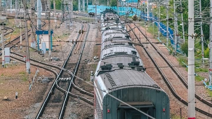 В Самарской области поезд насмерть сбил двух подростков