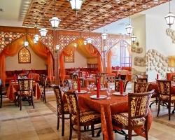 Корпоративные праздники в «АМАКС Сафар отеле»