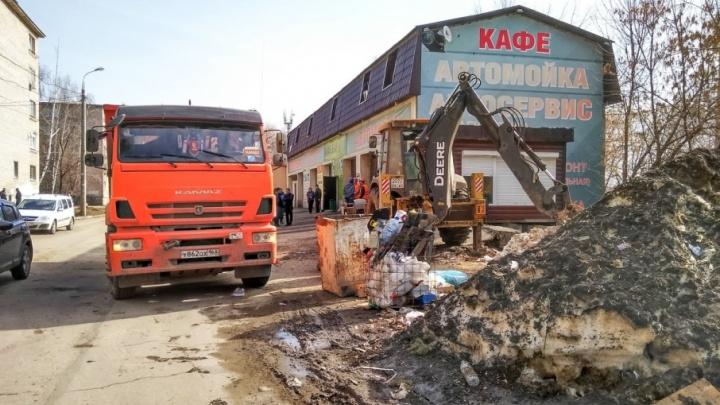 В Самаре начали сносить автомойку и кафе рядом с шоколадной фабрикой