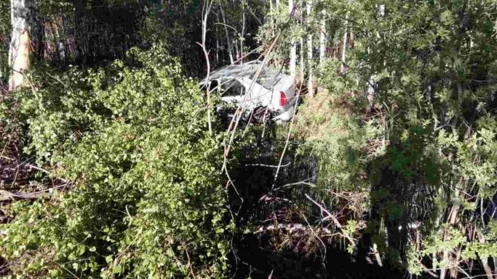 Пьяная тюменка на Renault улетела в кювет и сломала позвоночник
