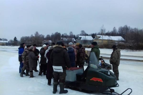В этом году народных возмущений дожидаться не стали и проблему связи деревни с Экономией решили оперативно