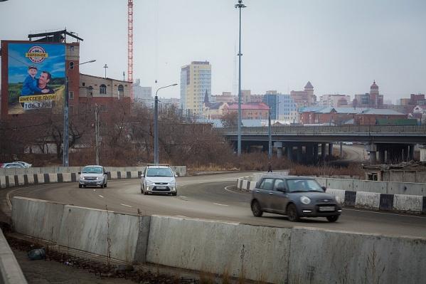 Среди машин, загрязняющих воздух в НМУ, оказались легковые автомобили