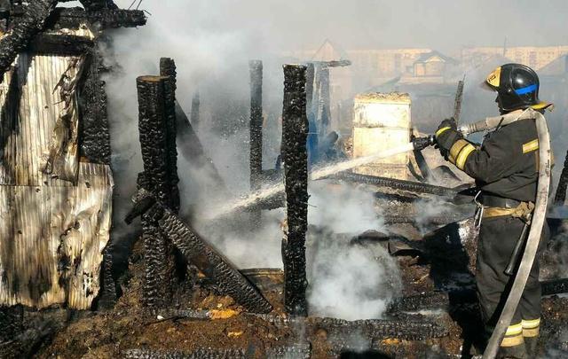 Из-за сжигания мусора и сухой травы в Тюменской области произошло 787 пожаров