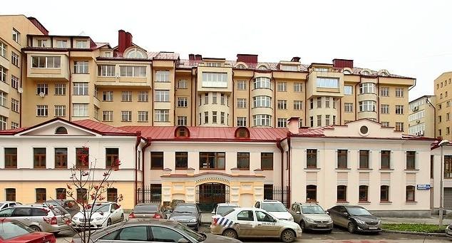 """В """"квартале миллионеров"""" выставили на продажу особняк, который должен был стать посольством"""