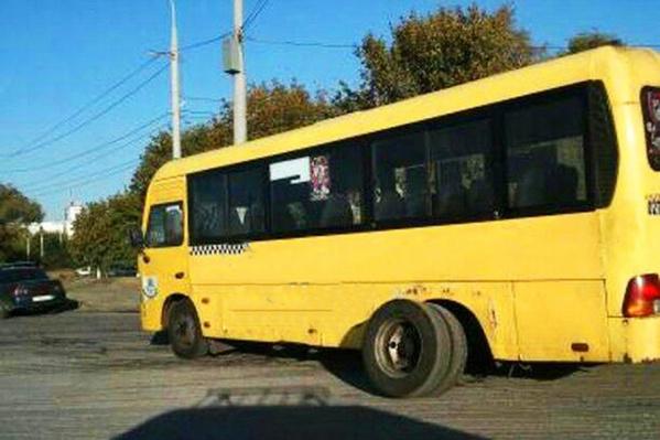 Очевидцы утверждают, что у транспорта были изношены покрышки