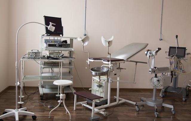Молодого гинеколога уволили за лишение пациентки девственности