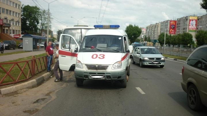 После аварии с маршруткой в Ярославле пенсионерке понадобилась помощь врачей