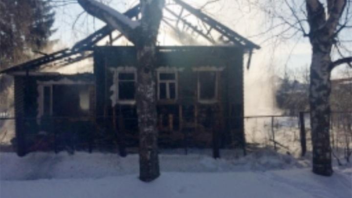 В Угличе сгорел частный дом