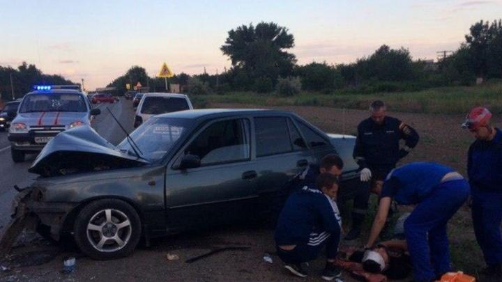 В Ростовской области водитель уснул за рулем и спровоцировал аварию