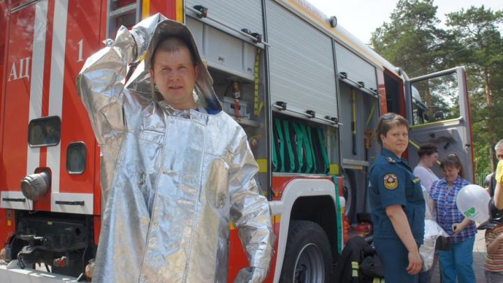 «Говорят, ещё по «Европе плюс» крутят»: клип челябинского пожарного-рэпера попал на «Муз-ТВ»