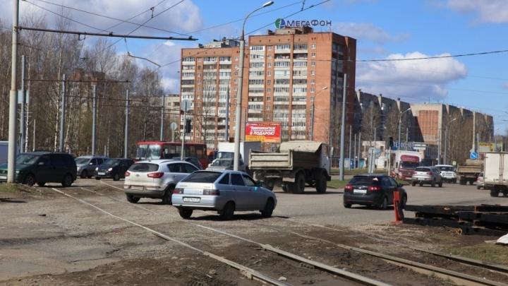 Самый беспощадный трамвайный переезд в Ярославле отремонтируют
