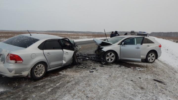 Тюменец попал в аварию на трассе под Пышмой