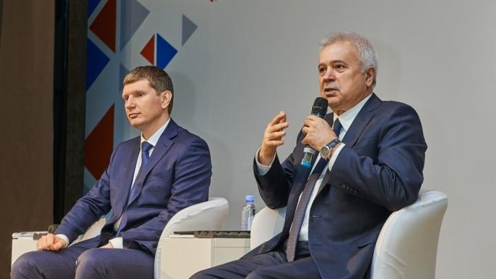 Президент «ЛУКОЙЛа» Вагит Алекперов и губернатор Максим Решетников встретились с работниками предприятий