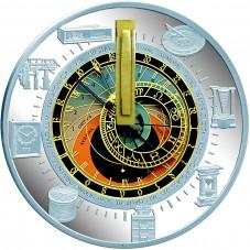 В Северный банк поступили монеты с изображением часов