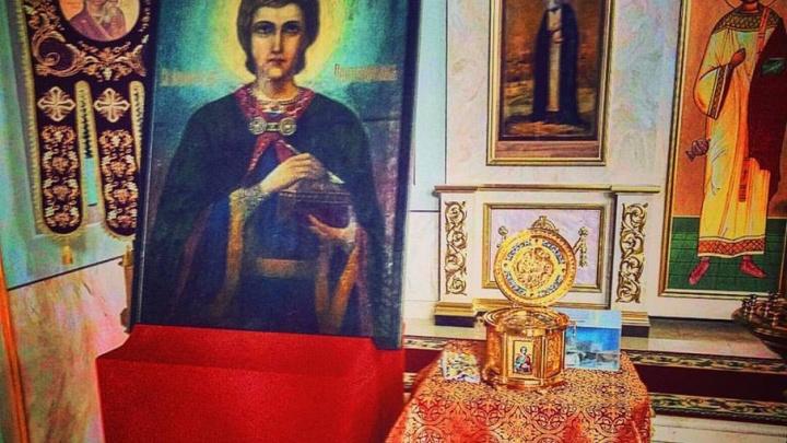В Пермь с Белой горы привезли ковчег с мощами святого Пантелеимона
